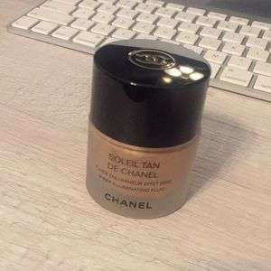 Soleil Tan De Chanel Sheer Illuminating Fluid-used